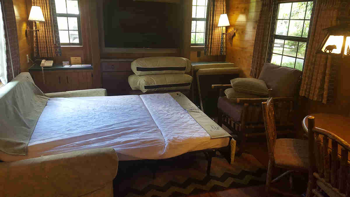 The cabins at disney 39 s fort wilderness resort for Sofa bed hotel